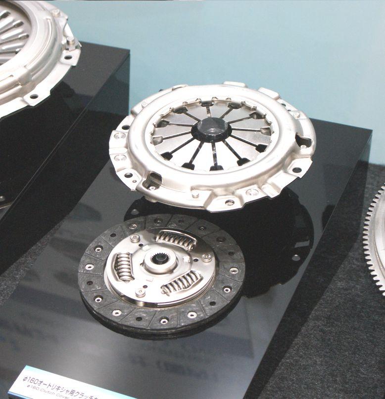 「【東京モーターショー15】エクセディ、多種多様な駆動系技術でアピール」の6枚目の画像