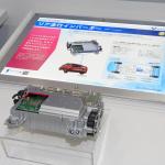 【東京モーターショー15】豊田自動織機は新型プリウスの4WD車に搭載されるリア走行インバーターを出品 - PHOTO_051