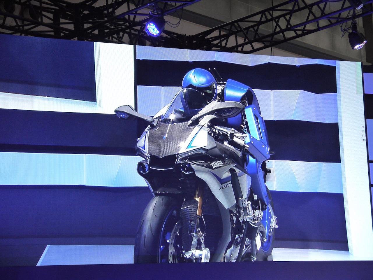 「【東京モーターショー15】ヒト型ロボットを搭載し自律走行するバイクがヤマハブースに登場」の6枚目の画像