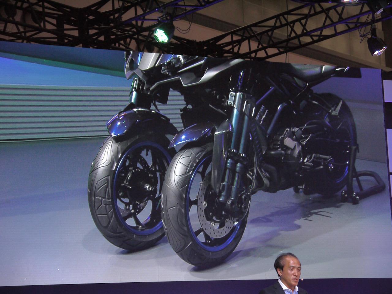 「【東京モーターショー15】ヒト型ロボットを搭載し自律走行するバイクがヤマハブースに登場」の5枚目の画像