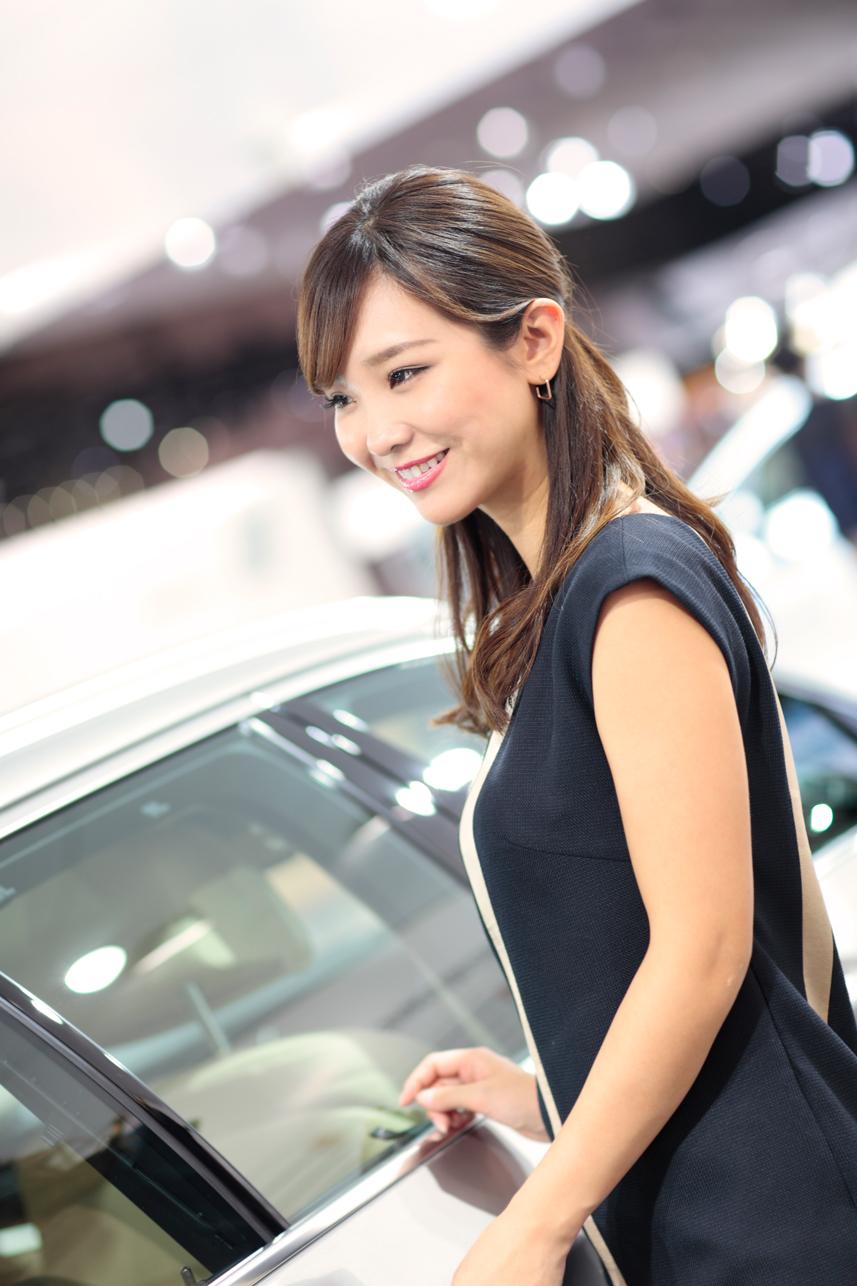 「【東京モーターショー15】厳選美女! BMWブースには、クリッカー賞2014に輝いたあの人がッ!」の5枚目の画像