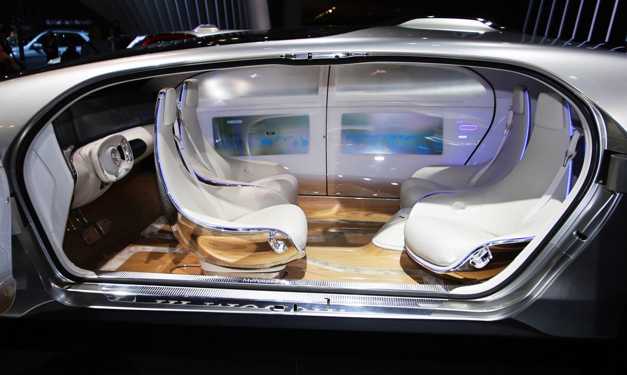 「【東京モーターショー15】販売好調なメルセデス・ベンツが最新モデル19台を一挙出展!」の4枚目の画像