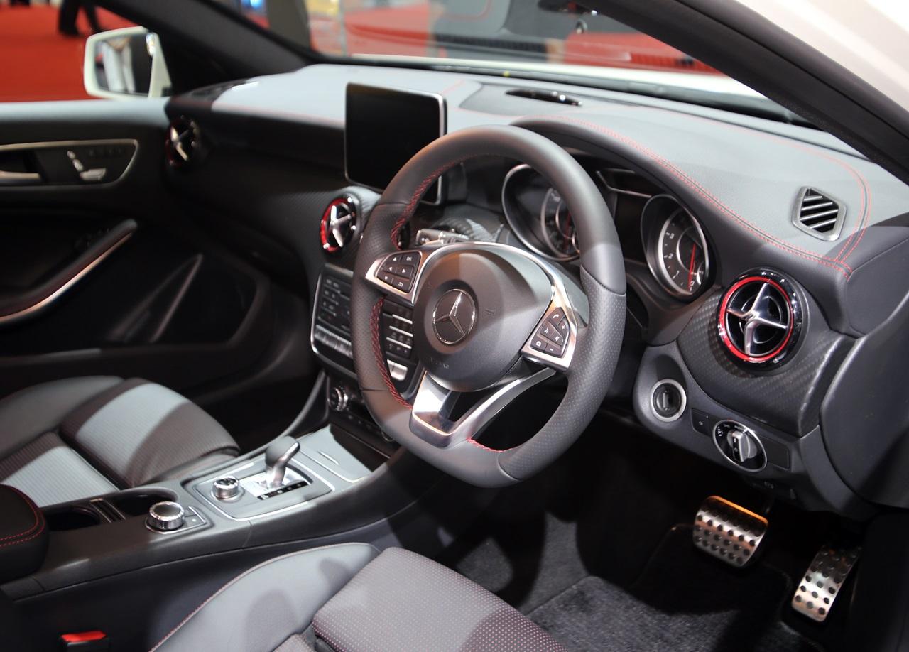 「【東京モーターショー15】販売好調なメルセデス・ベンツが最新モデル19台を一挙出展!」の9枚目の画像