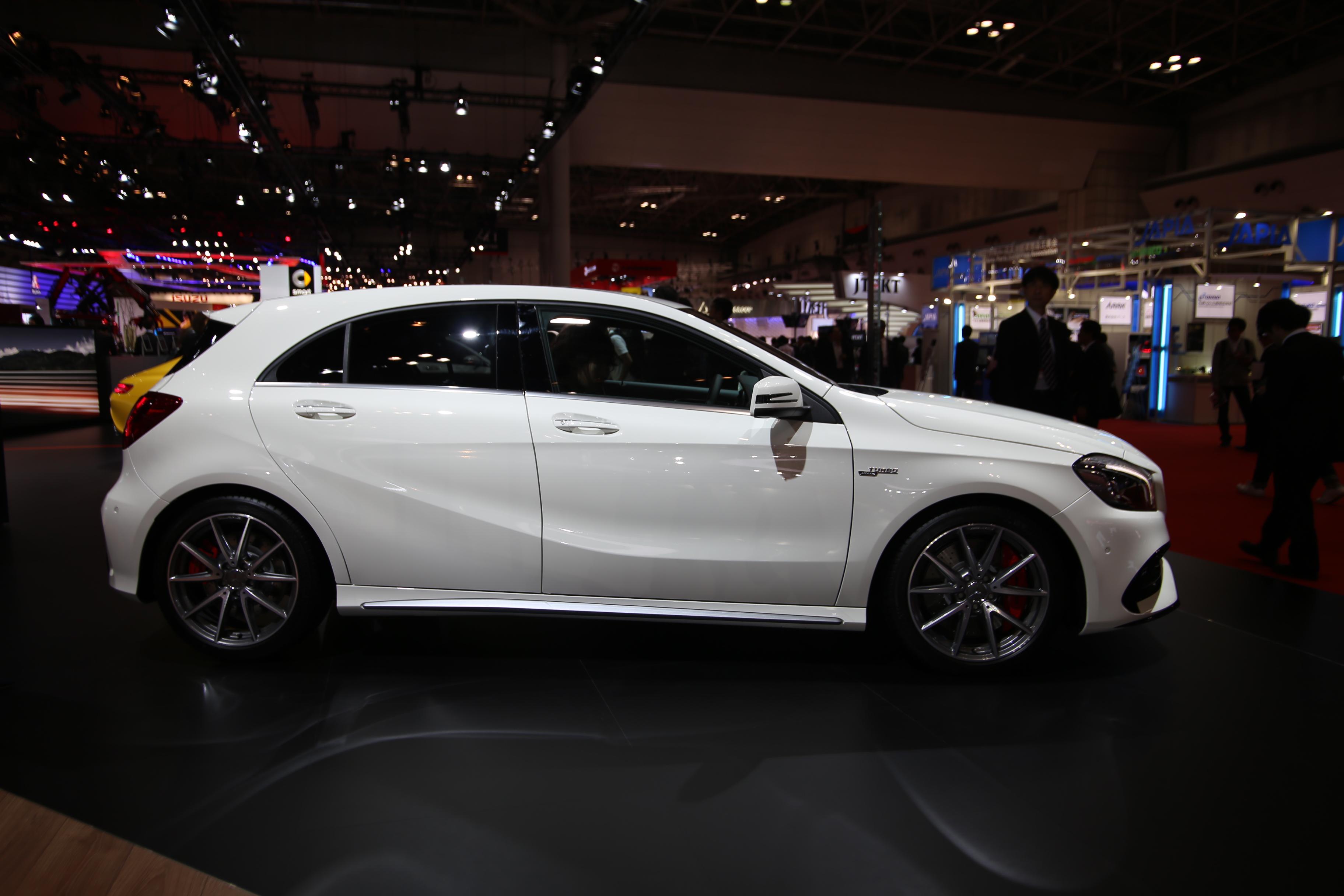 「【東京モーターショー15】販売好調なメルセデス・ベンツが最新モデル19台を一挙出展!」の10枚目の画像