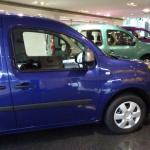 お買い得なカングー アクティフにブルターニュをイメージした限定車ペイザージュが3色で登場! - 20151202kangoo002