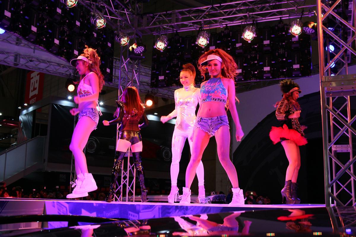 「【東京オートサロン2016】トーヨータイヤのセクシーダンスに魅了される」の9枚目の画像