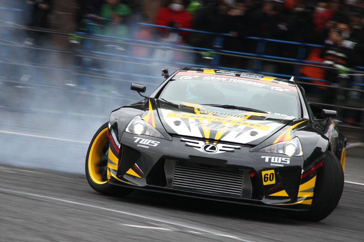 「【東京オートサロン2016】GT-RにレクサスLFA!ドリフトもスーパーカーが主役か?」の3枚目の画像