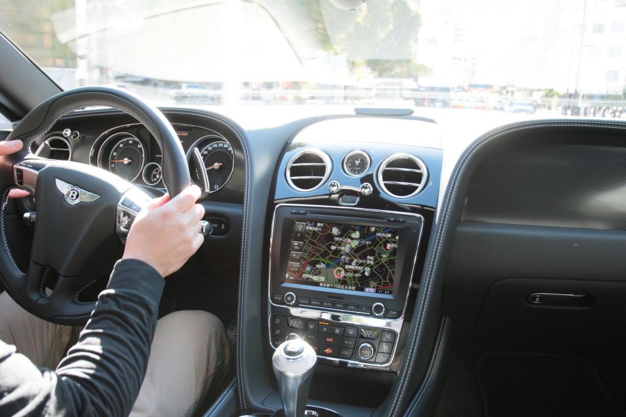 「528psで2510万円!ベントレー「Continental GT V8 S」の走りは?」の14枚目の画像
