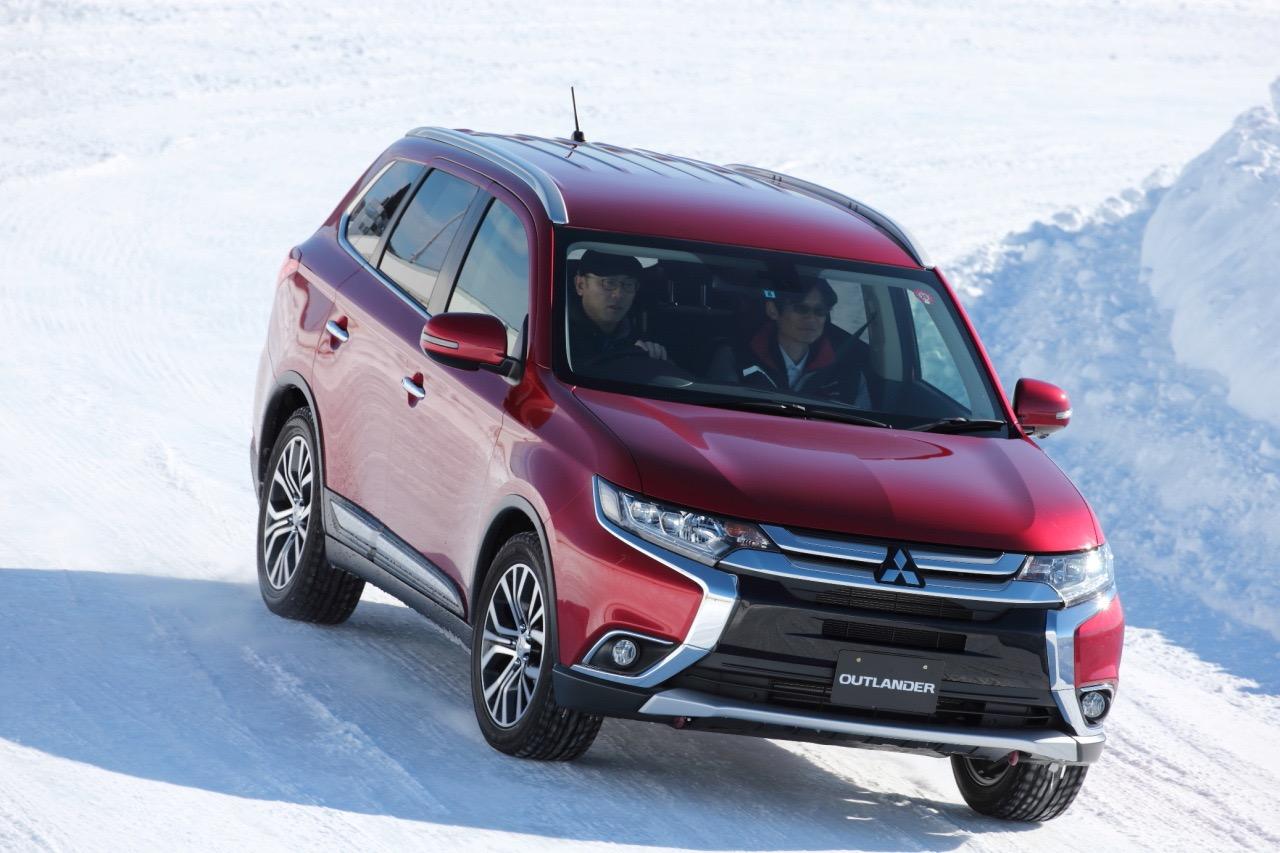 「アウトランダー(ガソリン)の美点は「雪上でも軽快」と表現できる旋回性能の高さ」の5枚目の画像