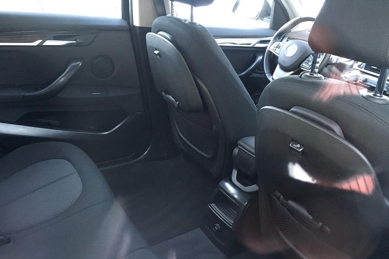 「BMW7人乗り「X1」、ノーマルモデルと並べてみたら…」の9枚目の画像
