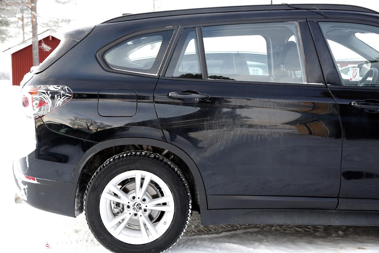 「BMW7人乗り「X1」、ノーマルモデルと並べてみたら…」の11枚目の画像