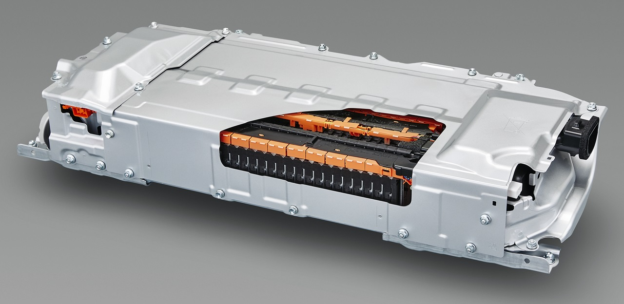 次世代リチウムイオン電池開発が本格化!電動車のモーター走行距離倍増へ Clicccar Com クリッカー