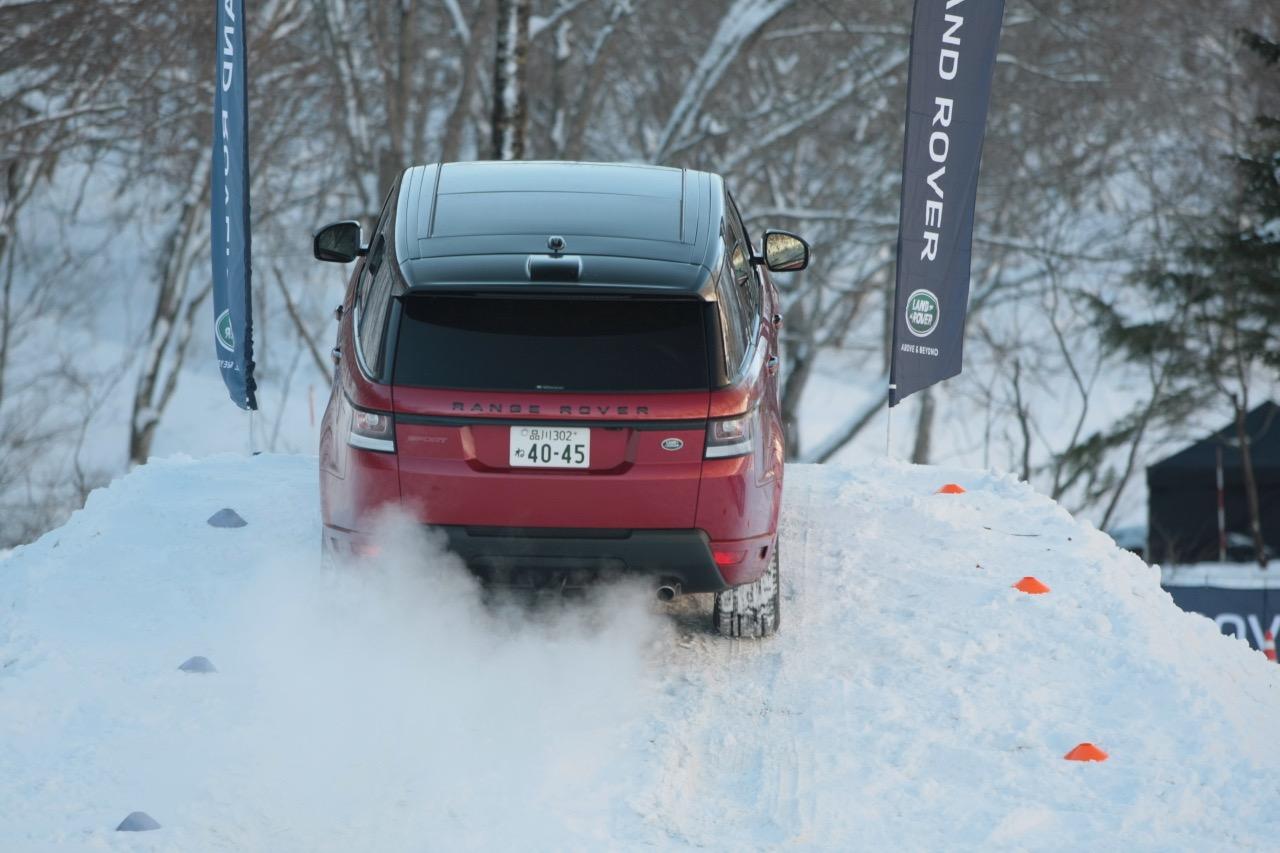 「レンジローバー・スポーツは雪上でも万能ぶりを見せつけるか」の1枚目の画像