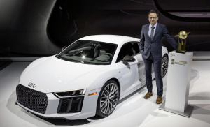 """Audi R8 is the """"2016 World Performance Car"""""""