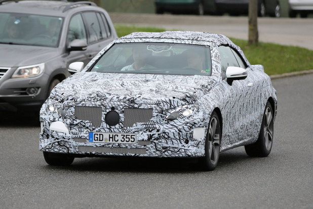 Spy-Shots of Cars - This image has been optimized for a calibrated screen with a Gamma of 2.2 and a colour temperature og 6500°K