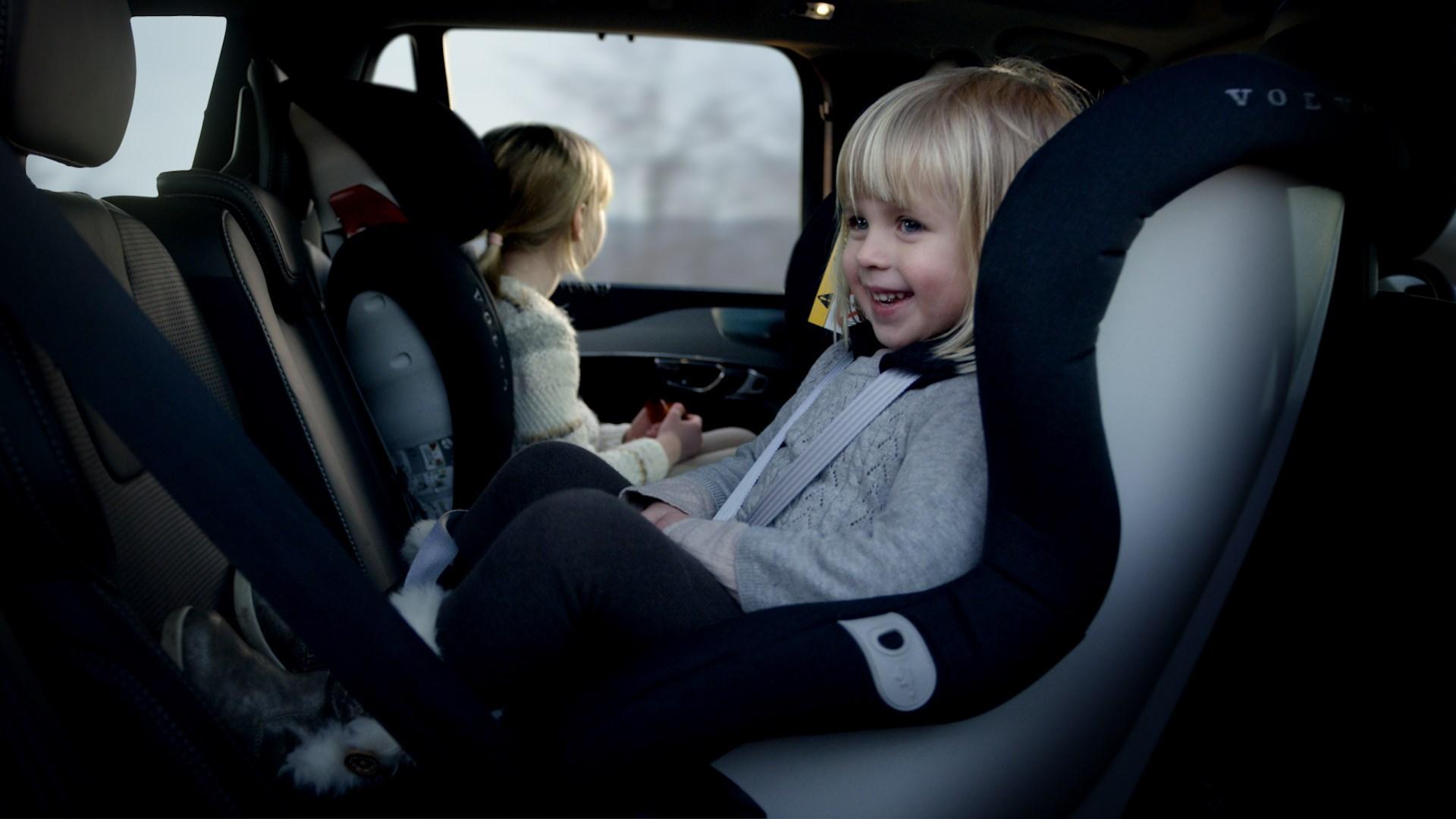 「3〜4歳までは「後ろ向き」に座らせる必要がある!? ボルボが新しいチャイルドシートを発売」の5枚目の画像
