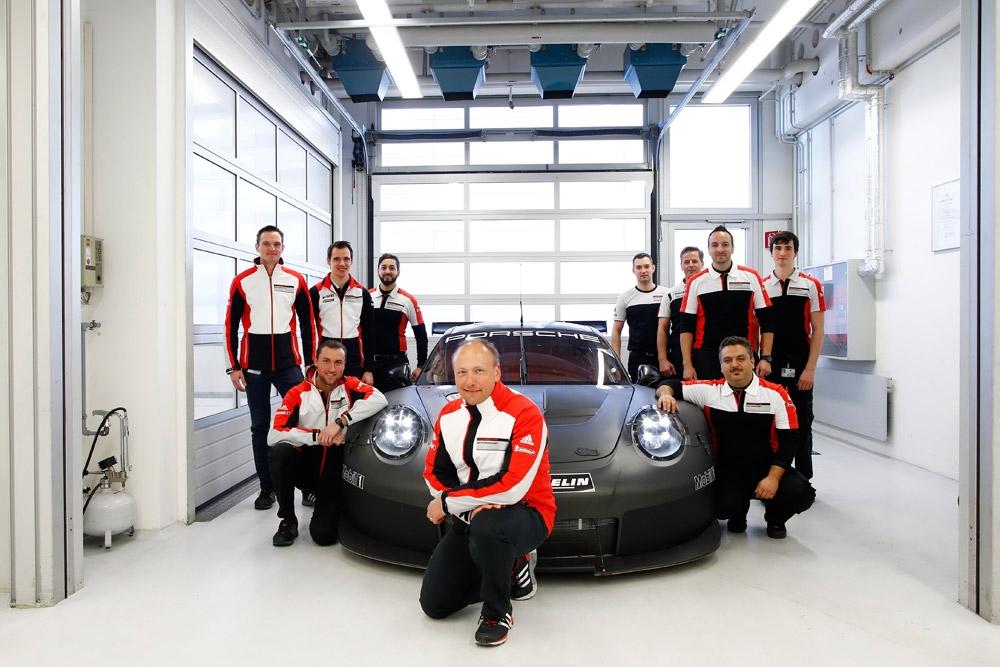 porsche-911RSRの後継モデルがテストを開始 (3)