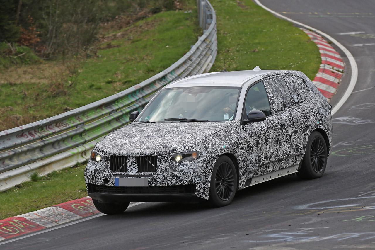 「BMW・X5次期型、ニュルで高速アタック!」の1枚目の画像