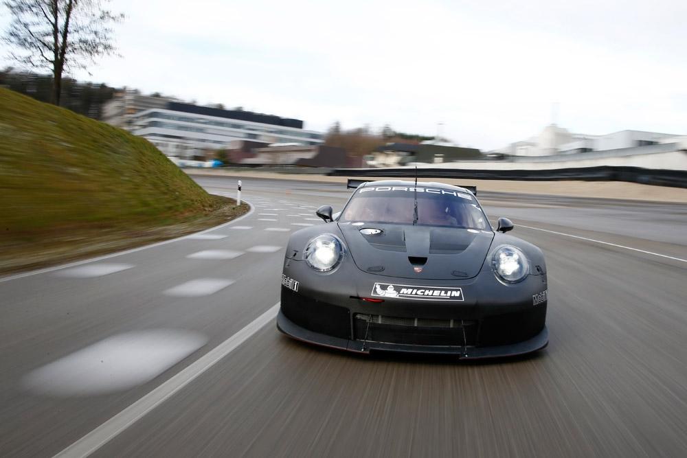porsche-911RSRの後継モデルがテストを開始 (2)