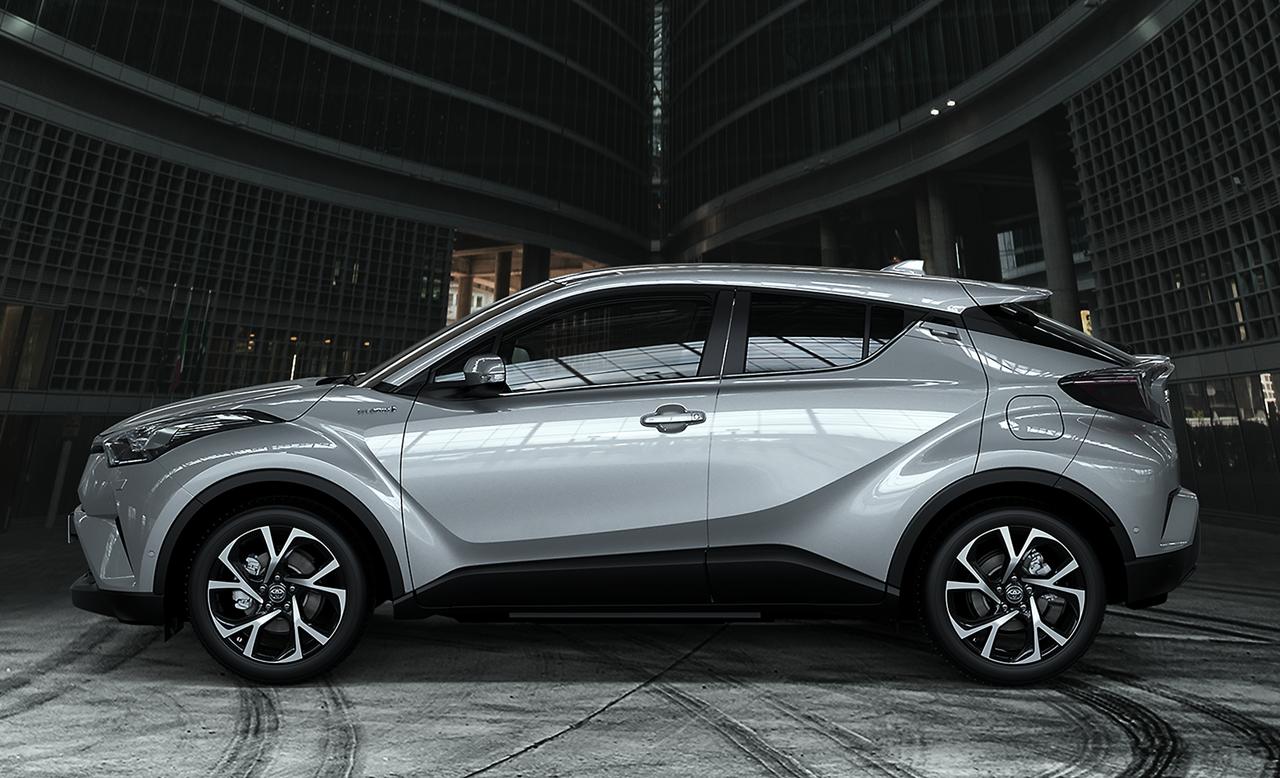 トヨタが「C-HR」のインテリアデザインを初公開! | clicccar.com(クリッカー)
