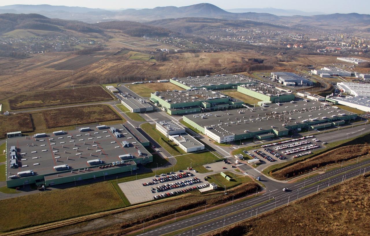 トヨタ、クルマの次は工場を高速通信で「つなぐ化」!   TOYOTA ...