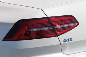 VW_PASSAT_GTE_21