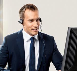 P90138707_highRes_bmw-support-desk-11-