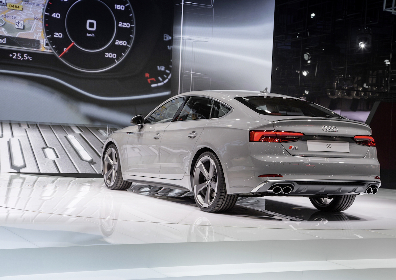 a5 s5 g tron 16 the new audi s5 sportback paris. Black Bedroom Furniture Sets. Home Design Ideas