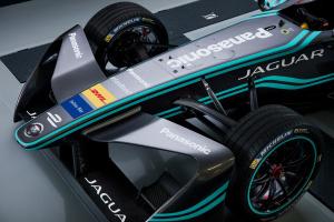 Jaguar Racing_I-TYPE_03