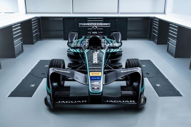 Jaguar Racing_I-TYPE_06