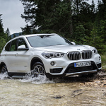 P90190673_highRes_the-new-bmw-x1-on-lo