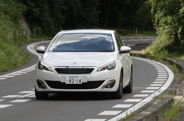 Peugeot_308_01