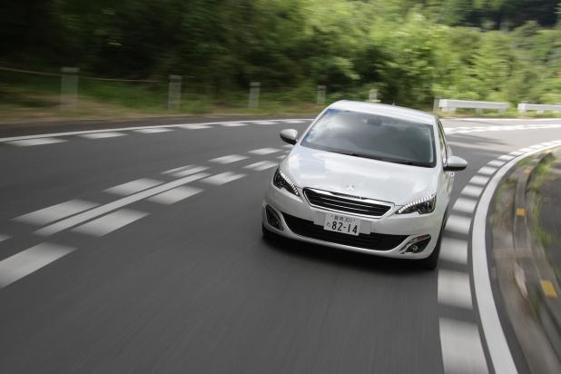 Peugeot_308_02