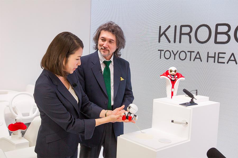 「トヨタKIROBO mini(キロボミニ)はコミュニケーションするだけなの? CEATECにKIROBO miniとMIRAIカットボディを出展!」の6枚目の画像