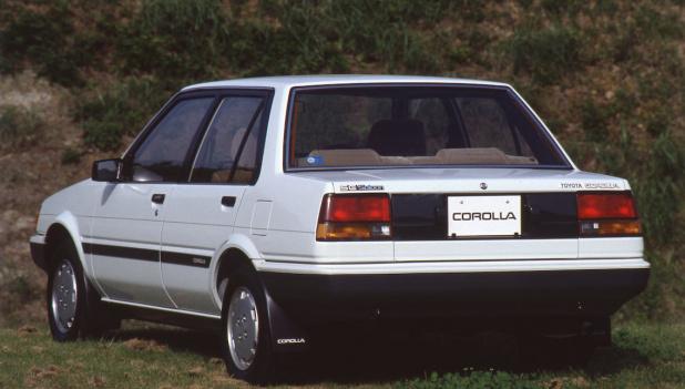 1983_#23_toyota_corolla_sedan_1500se_101_ll
