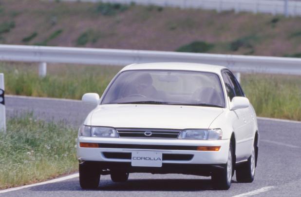 19910719_toyota_corolla_sedan_1500SE-L_01_ll