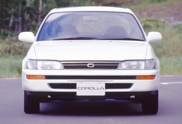 19910719_toyota_corolla_sedan_1500SE-L_03_ll