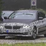 BMW 5-Series Sedan Plugin-Hybrid 008