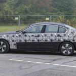 BMW 5-Series Sedan Plugin-Hybrid 011
