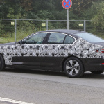 BMW 5-Series Sedan Plugin-Hybrid 012