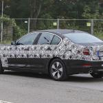 BMW 5-Series Sedan Plugin-Hybrid 013