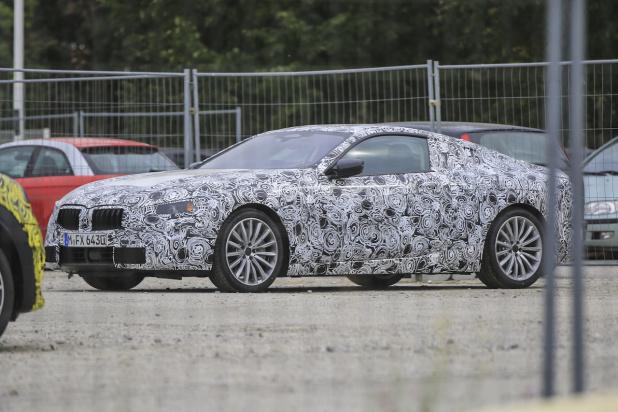 BMW 8-Series 002