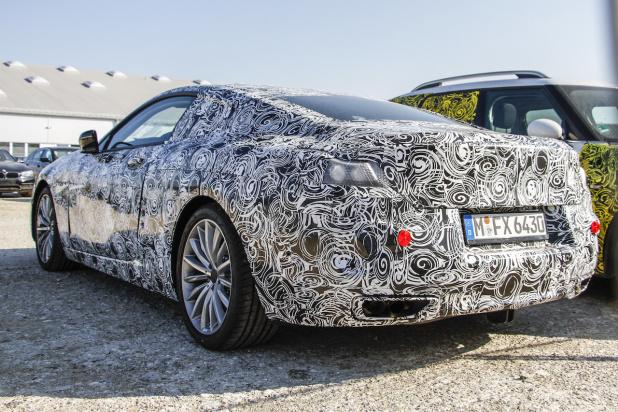 BMW 8-Series 007