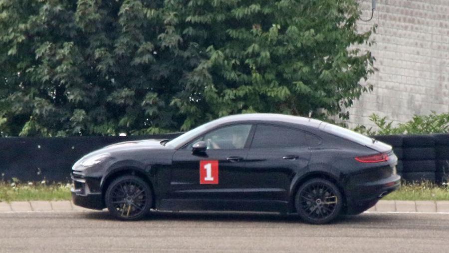911のsuvモデルか クーペボディをもつポルシェの新型suvをキャッチ! Clicccar Com クリッカー