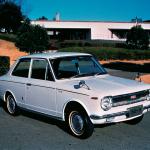 初代カローラのシートが変則的フルフラットシートを実現できた理由とは?【Corolla Stories 47/50】10月20日、本日はカローラ50歳の誕生日です。おめでとう! - corolla1966_1_ll