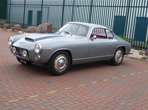1. ランチァ・フラミニア・ザガートにはスポルトと後期スーパースポルトがありました。ファミニアのオープンは、主にトウアリング、そしてピニンファリーナが製作。 (KY)