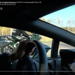 勝負は一瞬でついた!? スーパーカー2台とバイクが加速対決【動画】 - ss_bike_and_supercars02