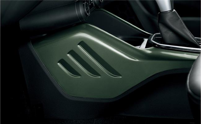 「スズキ・イグニスにSUVテイストを強めた特別仕様車「Fリミテッド」が登場」の1枚目の画像