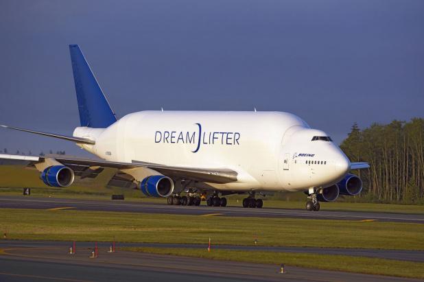 Boeing 747 Dreamlifter Achieves FAA Certification