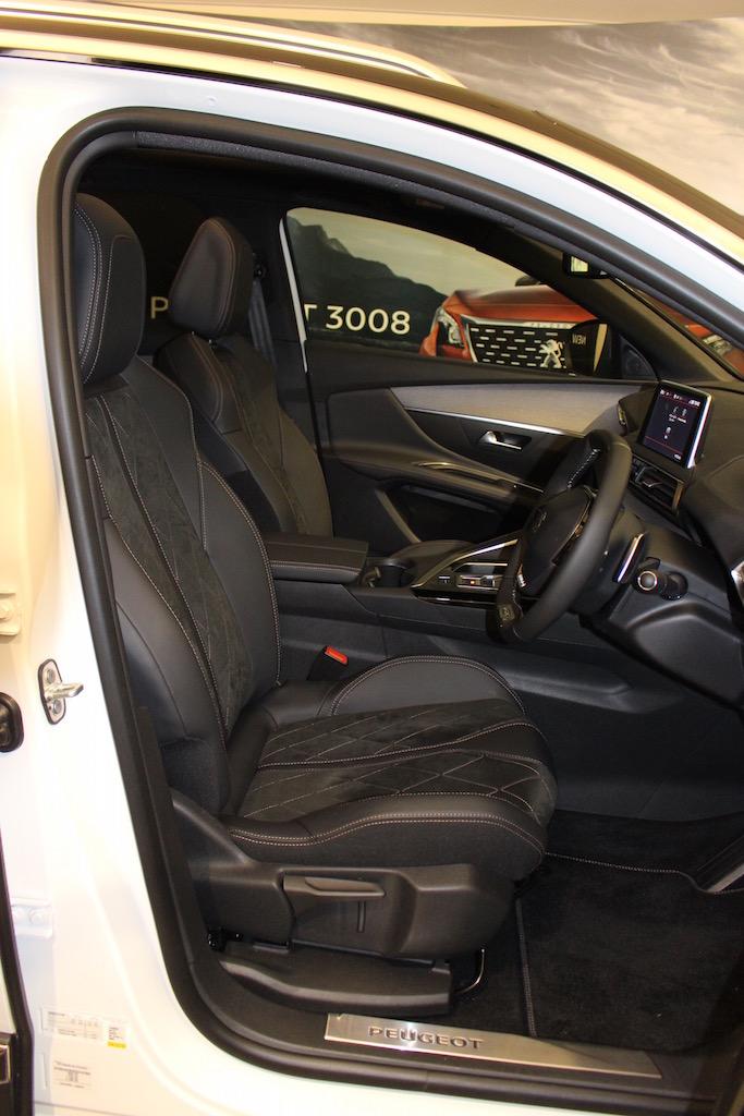 「【新型プジョー3008】VWティグアンがライバルのCセグメント派生SUVが公開」の7枚目の画像